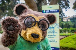 nono el oso de la huella de carbono parte del ambicioso trabajo del peru en accion climatica