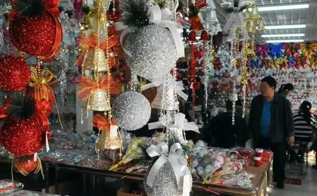yiwu christmas village market in the world